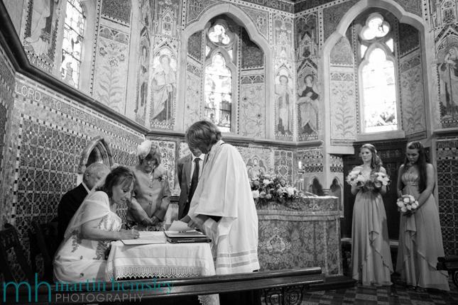 Cotswolds-Wedding-Photography-17.jpg