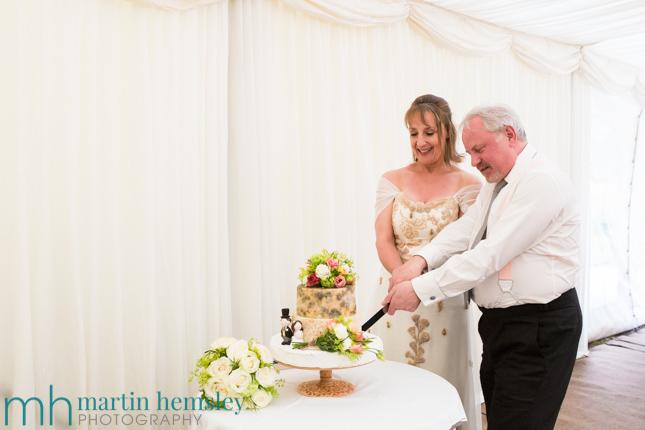Cotswolds-Wedding-Photography-36.jpg